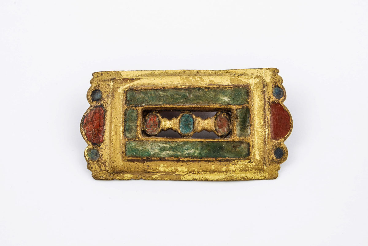 Enamel buckle